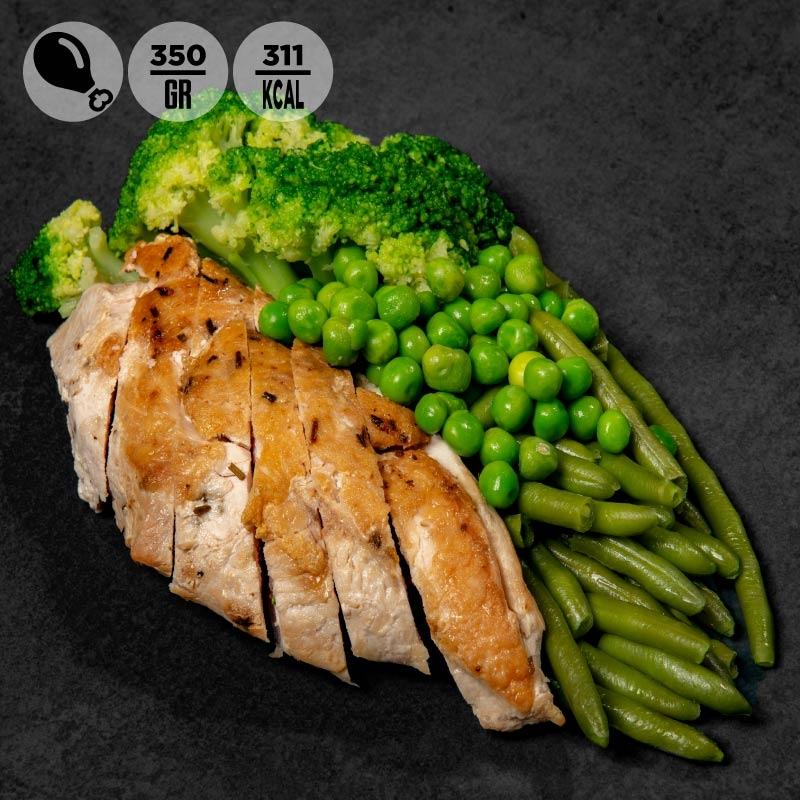 Petto di pollo grigliato con fagiolini, piselli e broccoli |100Grammi